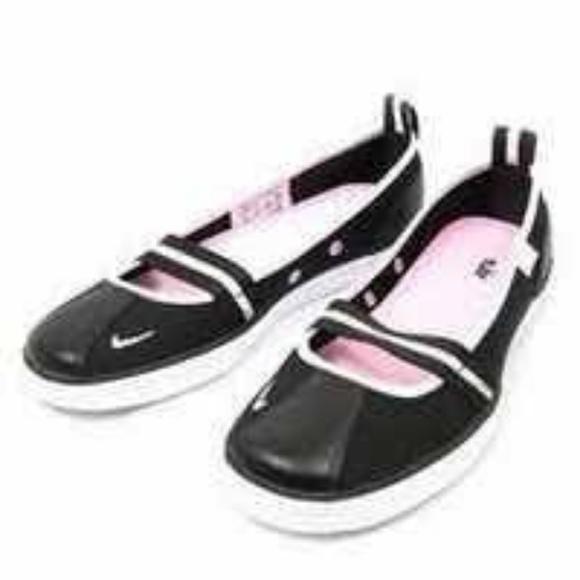 Nike Capri Ballerina